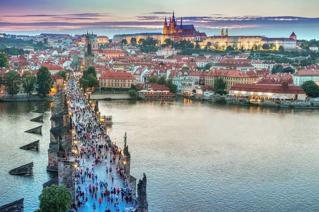 Jak znaleźć dobrą pracę w Czechach – praca Czechy